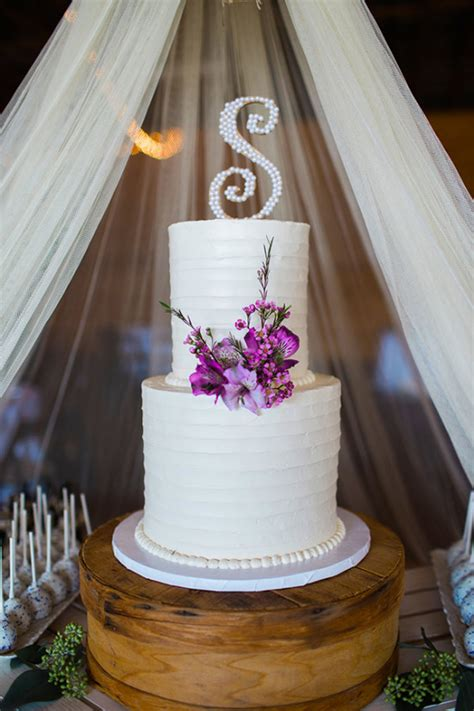 classic purple and white wedding cake with marzipan roses blog simple and elegant rustic purple wedding