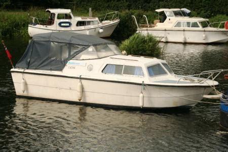 20 ft fishing boat for sale uk cabin cruiser boats for sale uk cheap diy plan for boat