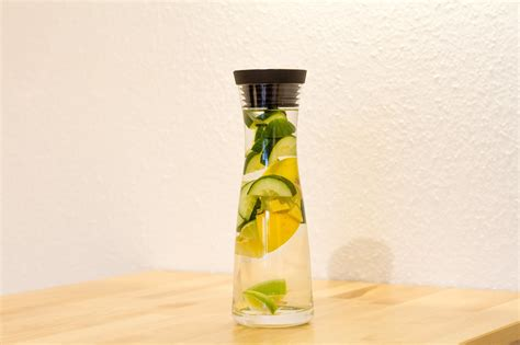 Cucumber Water Detox Drink by 7 Detox Waters To Burn While You Sit In Your Office