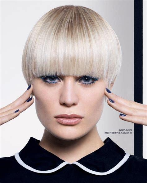 layered mushroom haircut for women mushroom haircut style hairs picture gallery