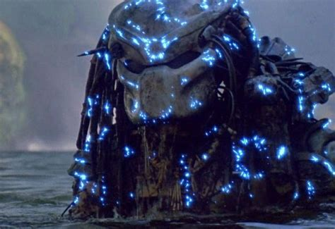 predator film 2017 first look at the predator revealed in new set photo