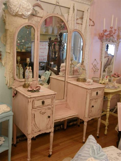 shabby chic vanity best 25 vintage dressing tables ideas on