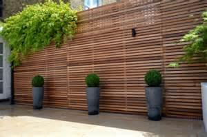 Small Backyard Patio Ideas by Sichtschutz Aus Holz F 252 R Eine Tolle Au 223 Engestaltung