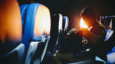 tips naik pesawat untuk pertama kali 12 tips naik pesawat untuk kamu yang baru pertama kali