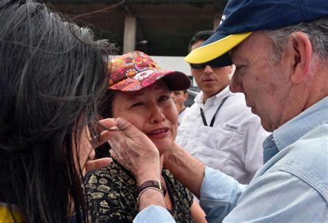 imagenes luto de colombia luto en colombia m 225 s de 150 muertos tras un deslave en la