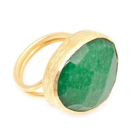 emerald ring in yellow gold on silver lucky