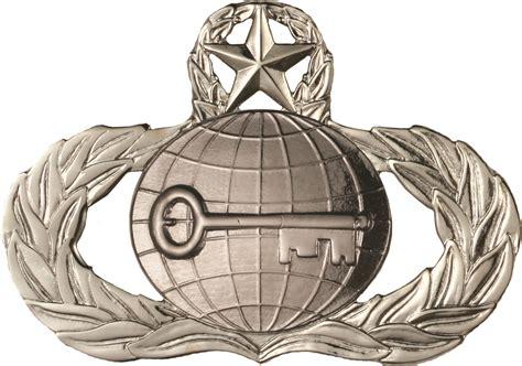 USAF Badge No Shine Master Intelligence   US Military