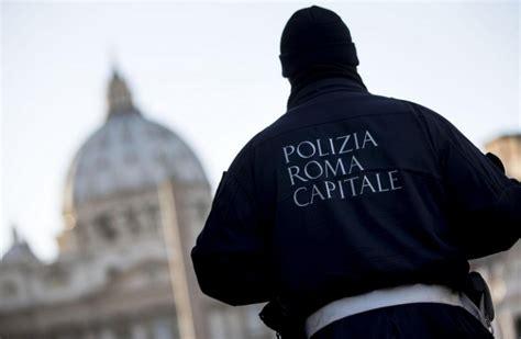 ufficio contravvenzioni multe annullate a roma il trucco delle finte auto della