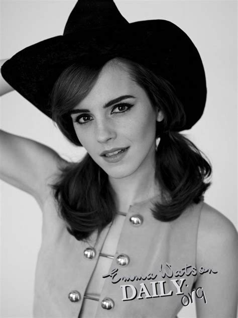 emma watson photoshoot for elle magazine uk december 2014 emma watson on pinterest elle magazine hermione and