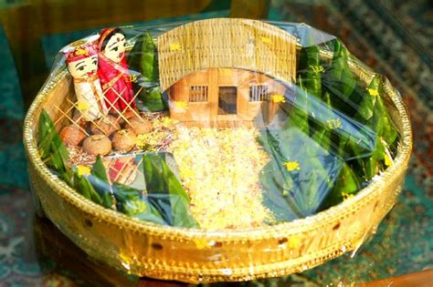 bengali wedding guide gaye holud or turmeric on the body bengali wedding guide gaye holud dala decoration ideas