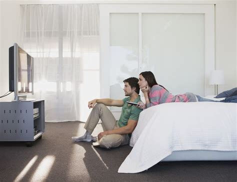 tv in bedroom marriage the 10 worst ways to ruin sleep and cause insomnia