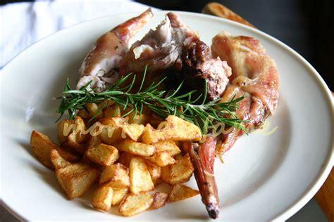 cucinare il coniglio arrosto coniglio arrosto ricetta dietetica morti di fame
