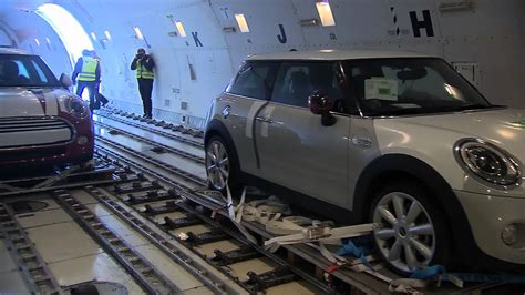 cargo air freight of the new mini loading and departure automototv