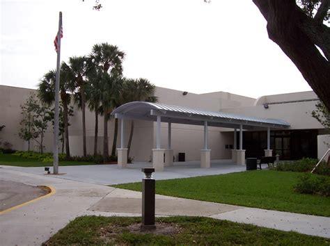 Palm Gardens Center by Palm Gardens Community Center City Of Palm Gardens Aquatic Complex South Florida Evergrene