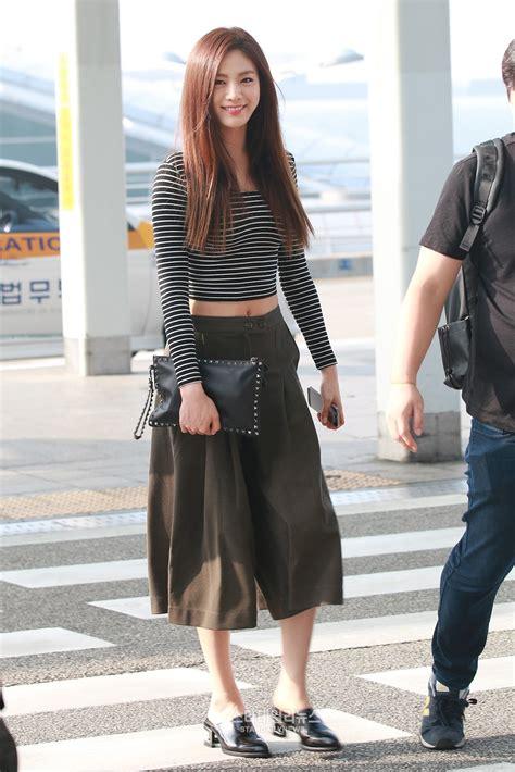 Velvet Irene Flying Pink Hair by Nana S Stylish Airport Fashion Daily K Pop News