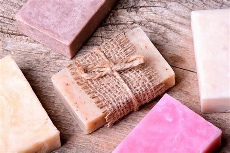 come si fa il sapone in casa come fare il sapone con olio esausto non sprecare