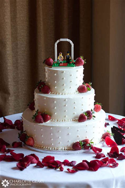 5 Wedding Cake Toppers We Love   GlamAsia   GlamAsia