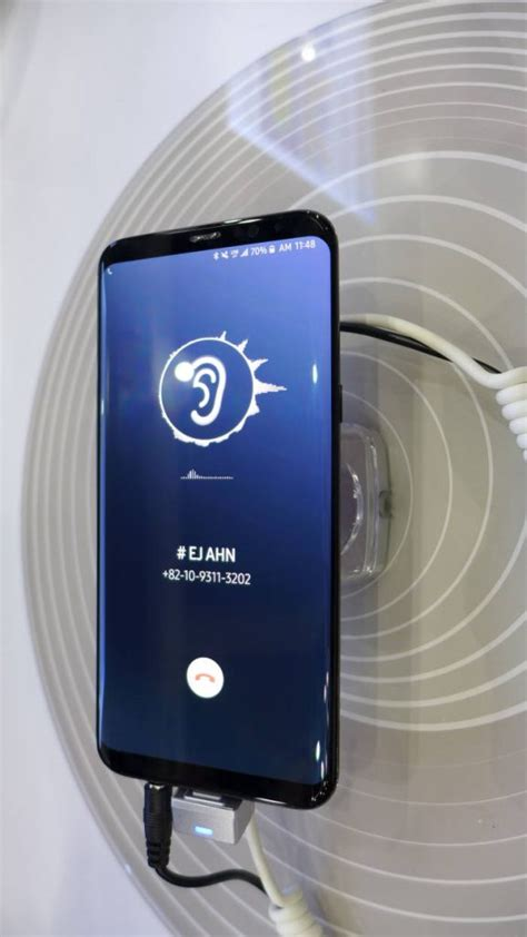 Samsung Galaxy S10 2 Screens by Samsung Galaxy S10 Said To Ditch The Earpiece For A 6 2 Inch Sound Emitting Edge To Edge Display