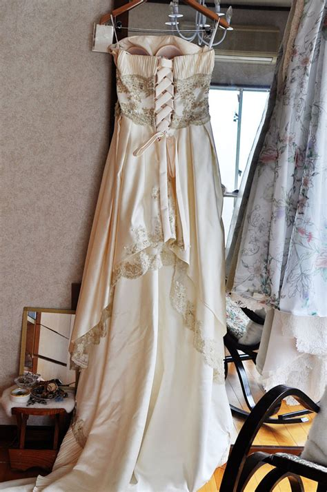 Wedding Dress Zip To Corset by How To Alter The Back Of A Dress That Is Small To Zip