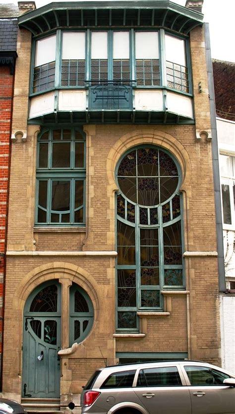 art design brussels artnouveau building in brussels rue du lac carolyn van