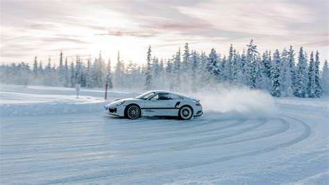 porsche winter cold driving pleasure with porsche carrrs auto portal