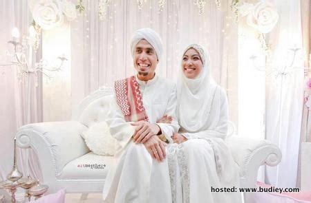 gambar ustaz don kahwin dengan husna   sensasi selebriti