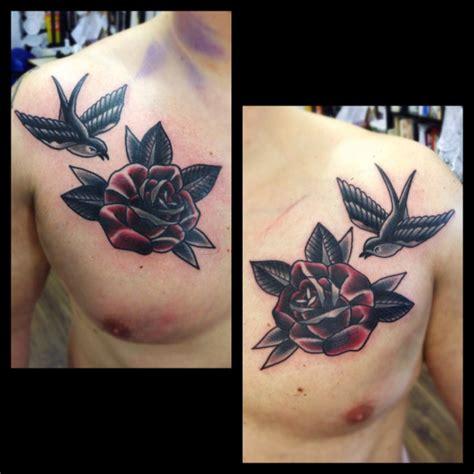 old school tattoo znaczenie tatuagem peito old school andorinha flor por matt cooley