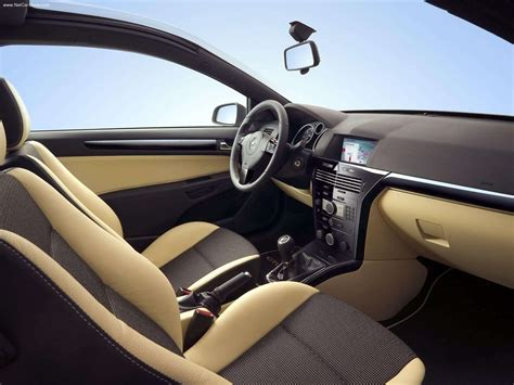 opel astra 2005 interior opel astra gtc with panoramic roof 2005 picture 10 of 12