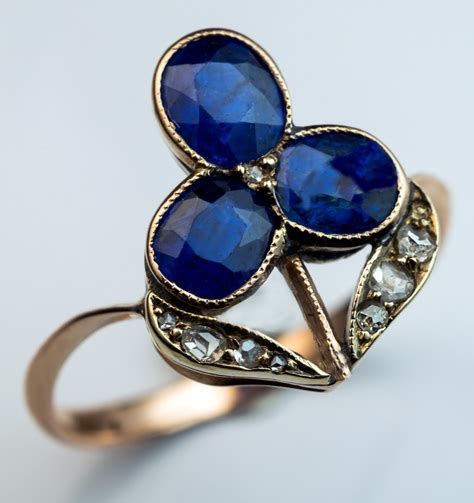 antique blue sapphire flower ring