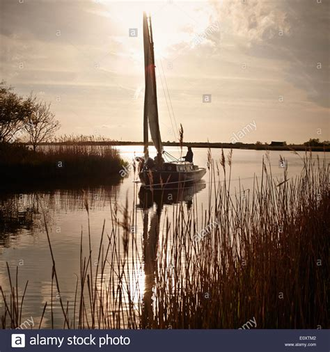 free boats norfolk traditional broads sail boat the norfolk broads norfolk