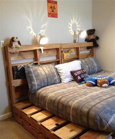 Pallet Bed Frame Diy 42 Diy Recycled Pallet Bed Frame Designs