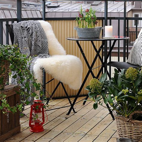 balcony decor  budget interiorholiccom