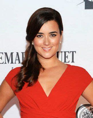 what scandal is causing cote de pablo leaving ncis the actress who played ziva david is leaving after eight