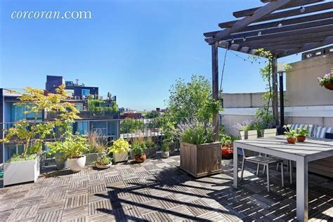 New York Appartments For Sale by 5 New York Apartments For Sale With Lovely Outdoor Spaces