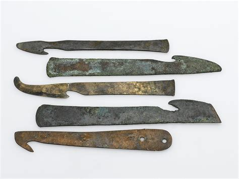 the knife a history of surgery in 28 remarkable operations books file bronze knife used in mummification 600 200