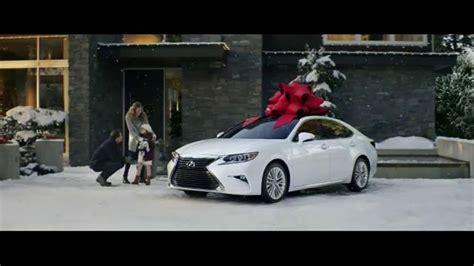 lexus commercial actress remember the lexus december to remember sales event tv commercial