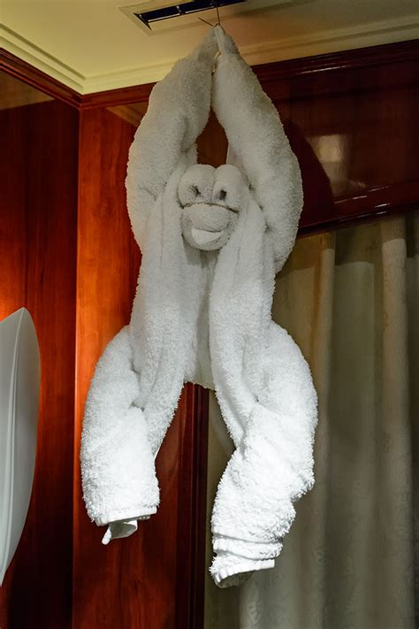 bubbas garage  norwegian pearl towel animals