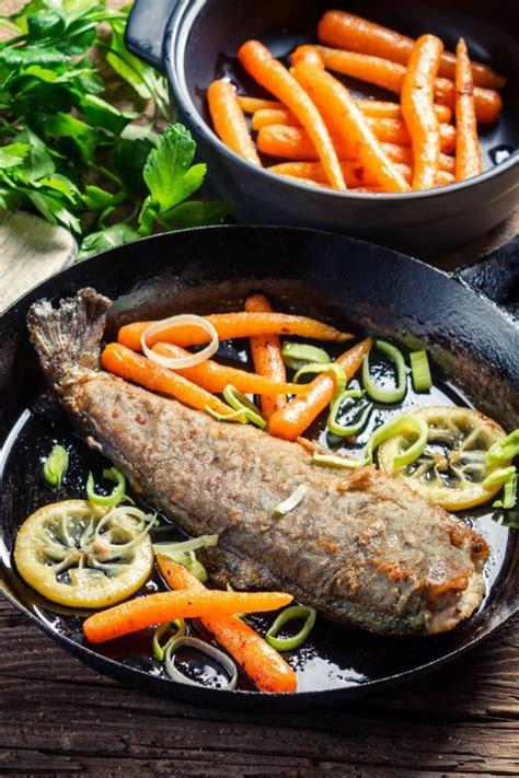 come cucinare il pesce persico pesce persico in padella donnad