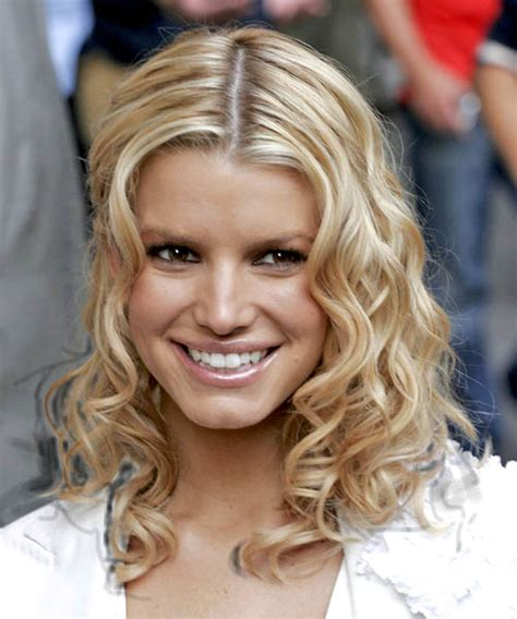 nice hairstyles going out jessica simpson medium curly casual hairstyle