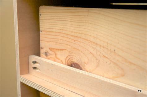 bureau r馮lable en hauteur 駘ectrique gallery of fabriquer caisson with fabriquer caisson armoire