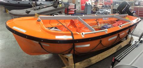 rb boats hatecke rb400 de wolf maritime safety