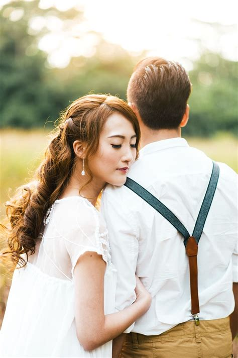Wedding Photoshoot Poses by 17 Poses You Should Try For A Prewedding