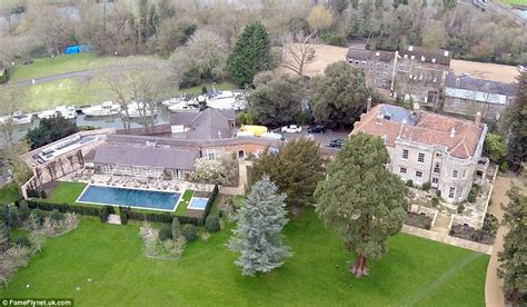 george clooney homes george and amal clooney s newly renovated 163 10m marital