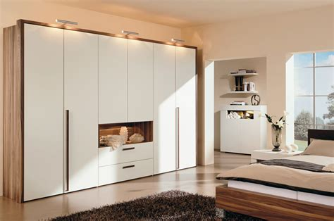 Decorated Wardrobes - warm bedroom decorating ideas by huelsta digsdigs