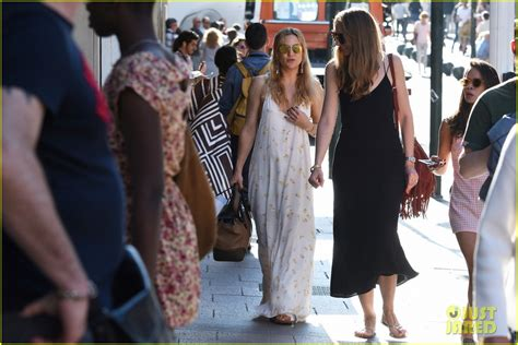 Kate Hudson My Best Friends Is A by Sized Photo Of Kate Hudson Friends Missoni Meltdown