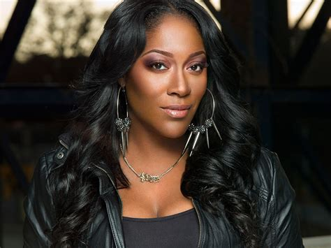 taj in swv hairstyles swv s coko made shoes her business at beach music