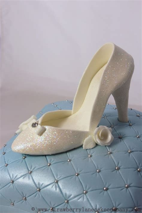 cinderella slipper cake cinderella slipper on a pillow wedding cake cakecentral