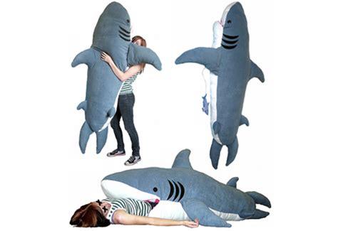 giant stuffed shark sleeping bag top 5 coolest geek sleeping bags techeblog