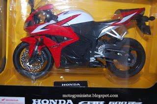 Terbaru Miniatur Diecast Motor Honda Repsol Cbr 1000rr 1 6 Scale diecast miniatur motogp motor mobil sport motocross trail vespa klasik murah jogja honda cbr