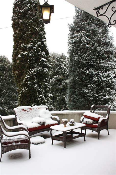 4 easy last minute tips to save your patio furniture this